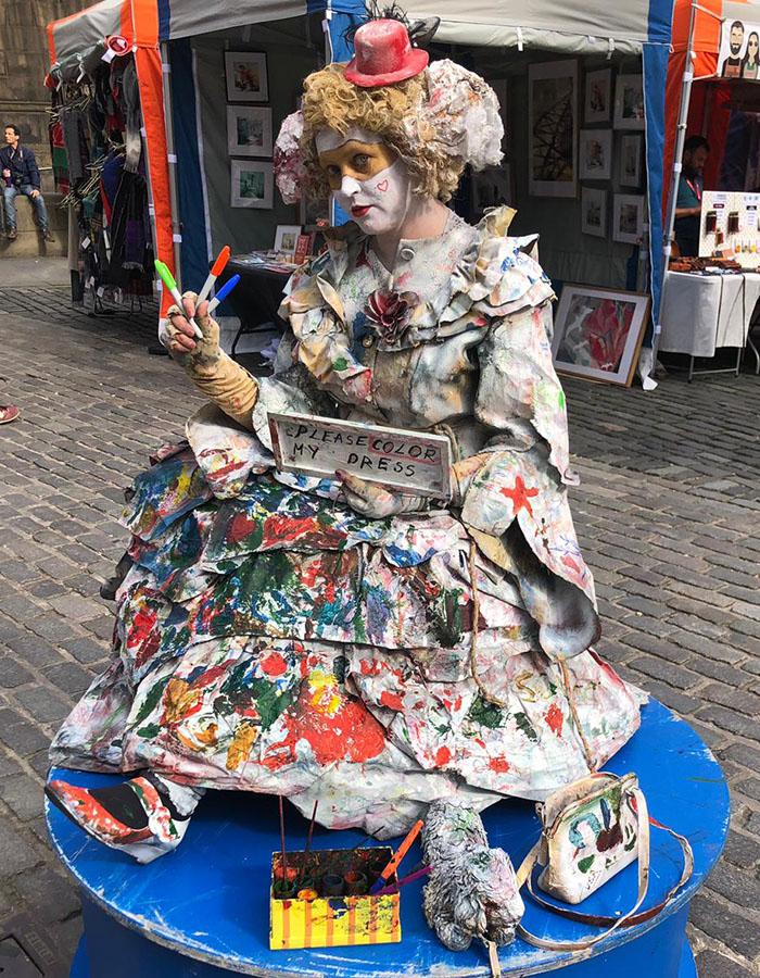 A lady dressed up at the Edinburgh Festival