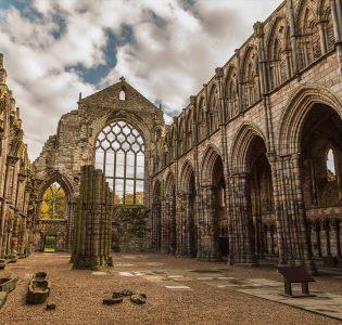 Holyrood Abbey ruins in Edinburgh