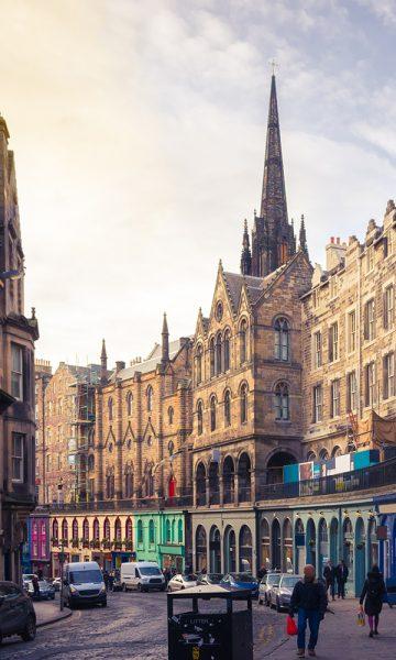 Shoppers on Victoria Street in Edinburgh