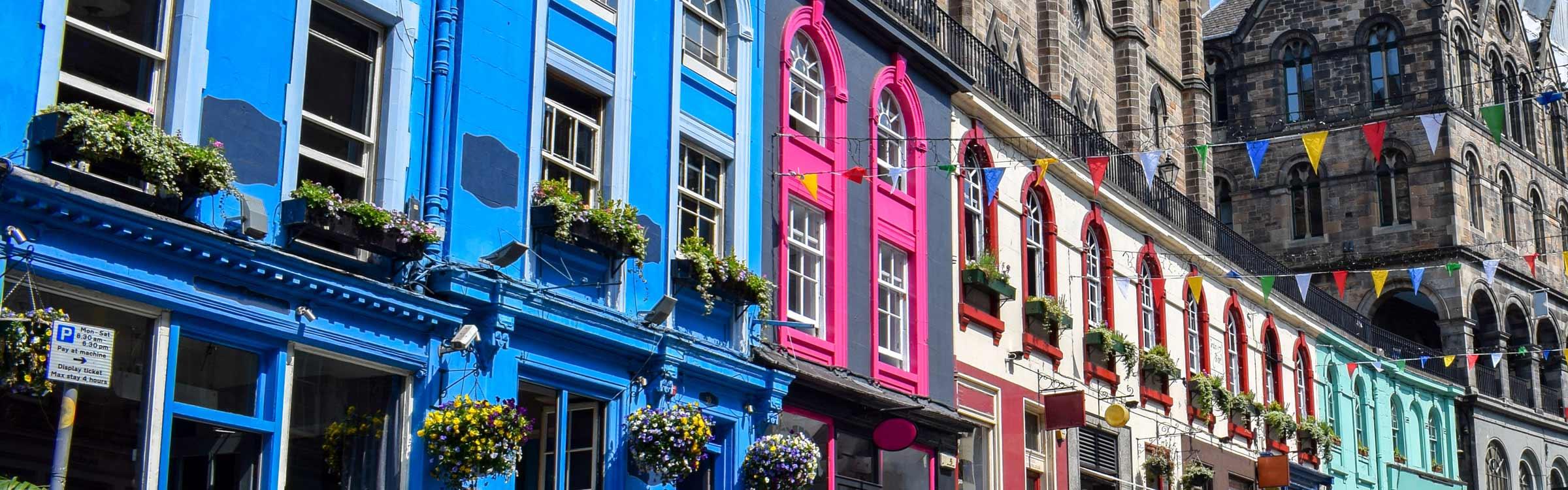 Colourful buildings on Victoria Street in Edinburgh
