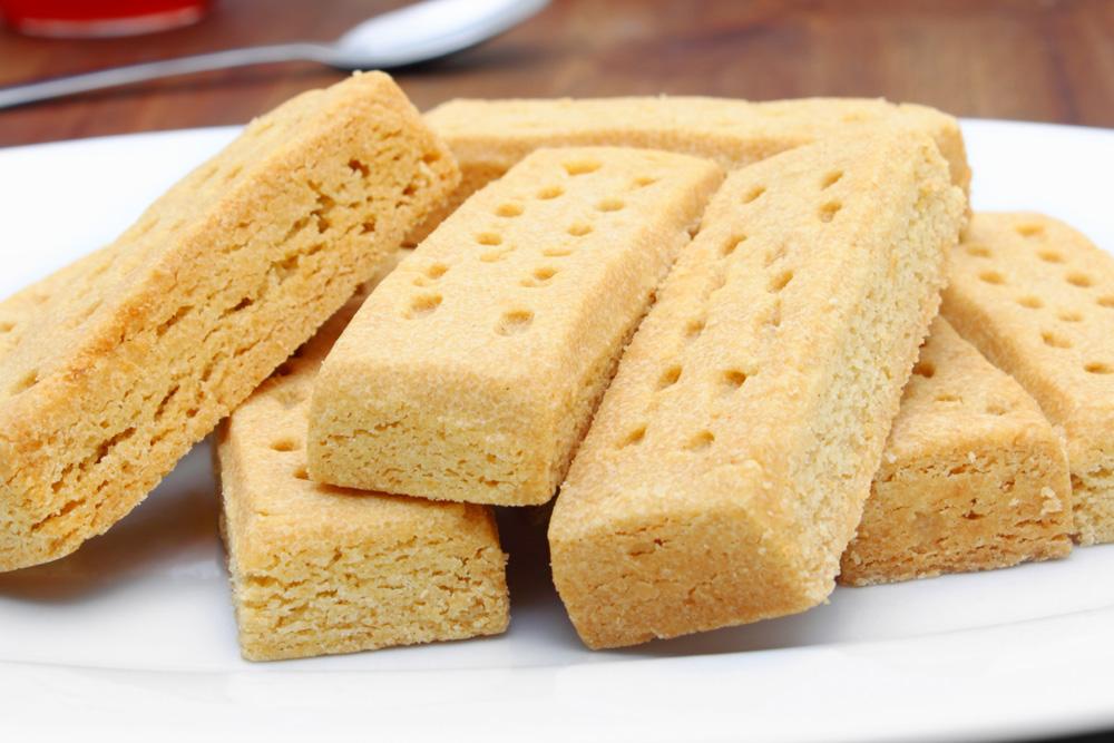 Shortbread fingers on a plate
