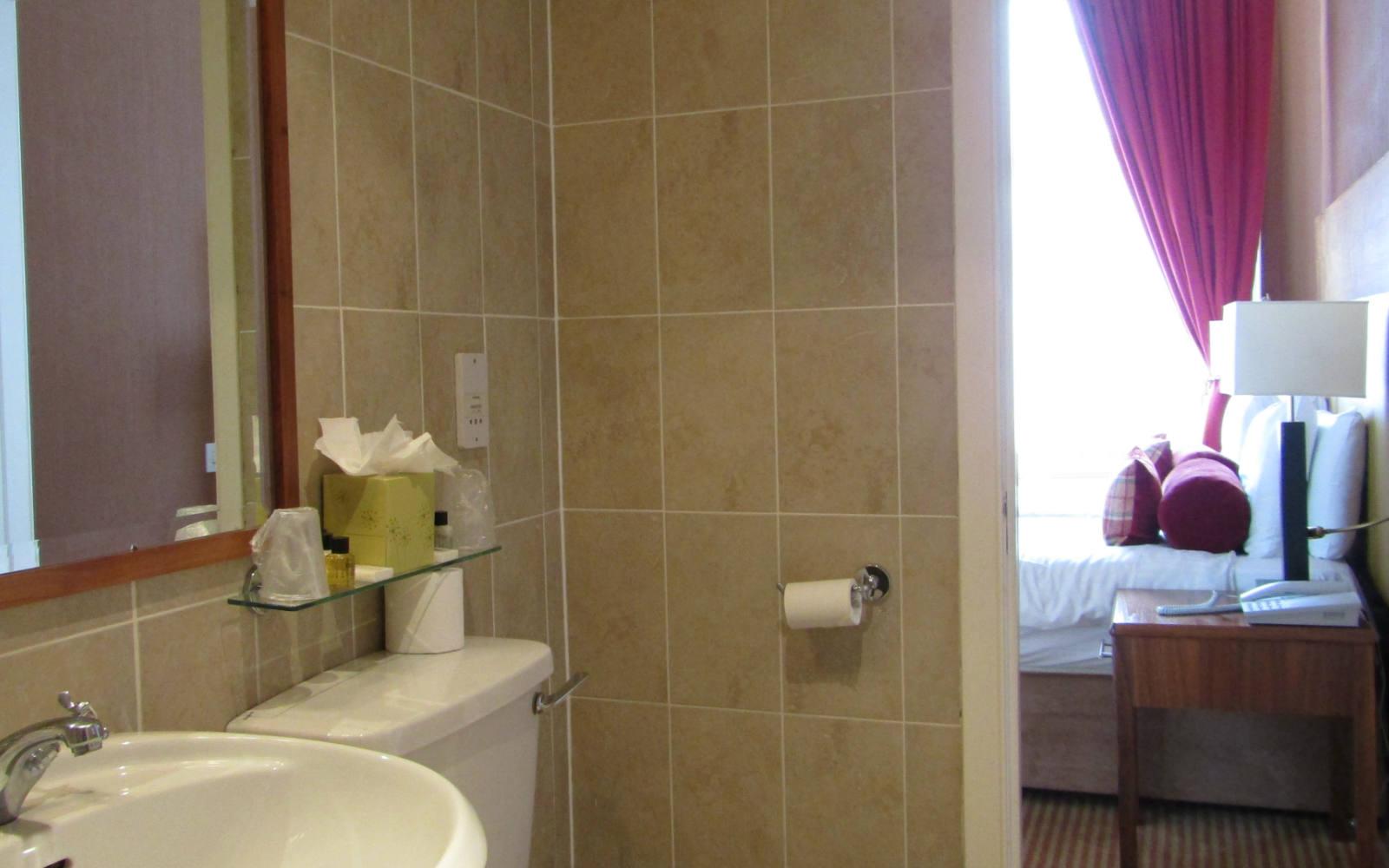 Luury Edinburgh Hotel Bathroom