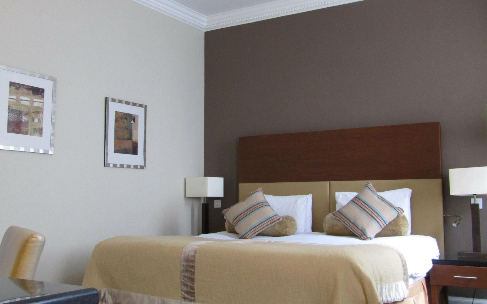 Edinburgh Hotel, Double Bedroom