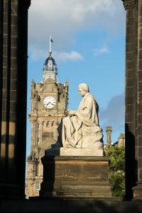 Statue of Sir Walter Scott inside Scott Monument